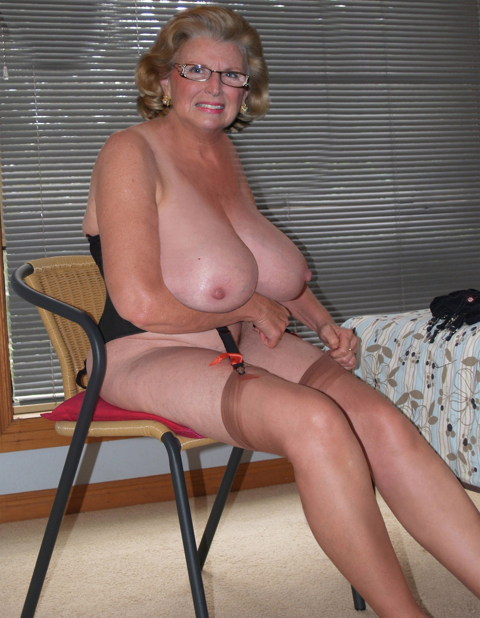 Big tit granny photos