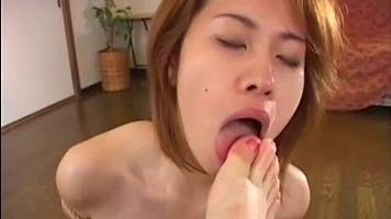 female foot slave,lesbian toe sucking,lesbian cunnilingus
