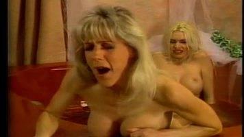 lesbian feet sex,lesbian foot worship,foot pussy masturbation