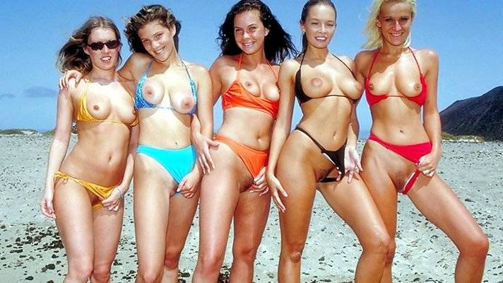 Naked groups of girls on beach / nature