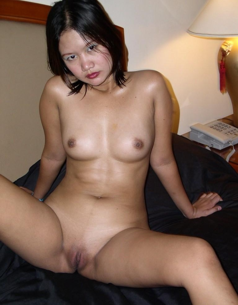naked-amateur-pinoy-mum-stocking-sex