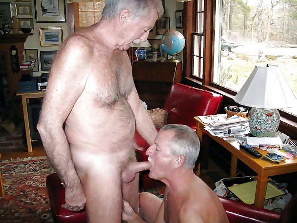 деды сосут друг у друга фото