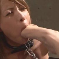 Footing her mouth