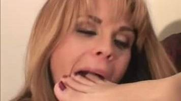 lesbian foot worship,lesbian toe sucking,lesbian foot fetish